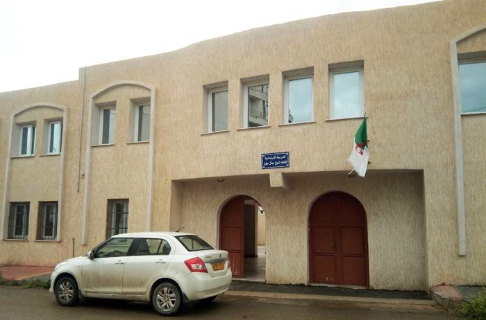 """Photo of مدرسة """"جمال جلول"""" بالقمة الحمراء في شرشال تتعرض للسرقة منتصف الأسبوع الماضي والدرك الوطني يحقّق"""